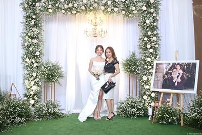 Vy-Cuong-wedding-instant-print-photo-booth-in-Bien-Hoa-Chup-hinh-lay-lien-Tiec-cuoi-tai-Bien-Hoa-WefieBox-Photobooth-Vietnam-109
