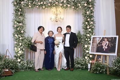 Vy-Cuong-wedding-instant-print-photo-booth-in-Bien-Hoa-Chup-hinh-lay-lien-Tiec-cuoi-tai-Bien-Hoa-WefieBox-Photobooth-Vietnam-137