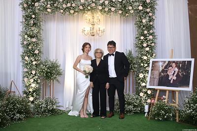 Vy-Cuong-wedding-instant-print-photo-booth-in-Bien-Hoa-Chup-hinh-lay-lien-Tiec-cuoi-tai-Bien-Hoa-WefieBox-Photobooth-Vietnam-120