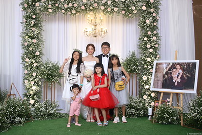 Vy-Cuong-wedding-instant-print-photo-booth-in-Bien-Hoa-Chup-hinh-lay-lien-Tiec-cuoi-tai-Bien-Hoa-WefieBox-Photobooth-Vietnam-139