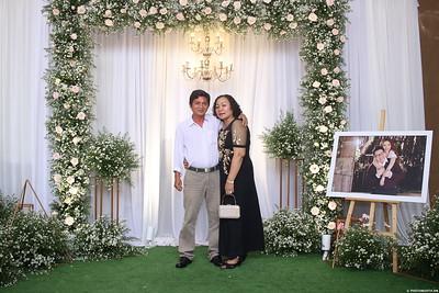 Vy-Cuong-wedding-instant-print-photo-booth-in-Bien-Hoa-Chup-hinh-lay-lien-Tiec-cuoi-tai-Bien-Hoa-WefieBox-Photobooth-Vietnam-135
