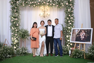 Vy-Cuong-wedding-instant-print-photo-booth-in-Bien-Hoa-Chup-hinh-lay-lien-Tiec-cuoi-tai-Bien-Hoa-WefieBox-Photobooth-Vietnam-122