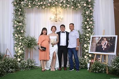 Vy-Cuong-wedding-instant-print-photo-booth-in-Bien-Hoa-Chup-hinh-lay-lien-Tiec-cuoi-tai-Bien-Hoa-WefieBox-Photobooth-Vietnam-122