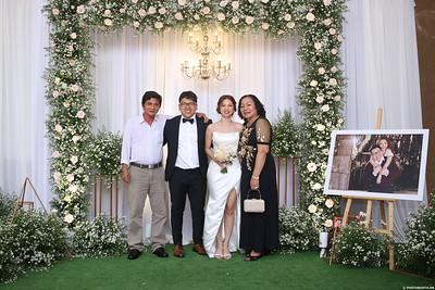 Vy-Cuong-wedding-instant-print-photo-booth-in-Bien-Hoa-Chup-hinh-lay-lien-Tiec-cuoi-tai-Bien-Hoa-WefieBox-Photobooth-Vietnam-134