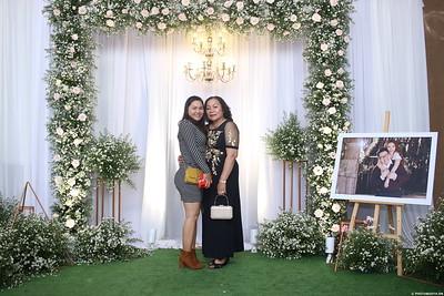 Vy-Cuong-wedding-instant-print-photo-booth-in-Bien-Hoa-Chup-hinh-lay-lien-Tiec-cuoi-tai-Bien-Hoa-WefieBox-Photobooth-Vietnam-116