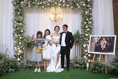 Vy-Cuong-wedding-instant-print-photo-booth-in-Bien-Hoa-Chup-hinh-lay-lien-Tiec-cuoi-tai-Bien-Hoa-WefieBox-Photobooth-Vietnam-152