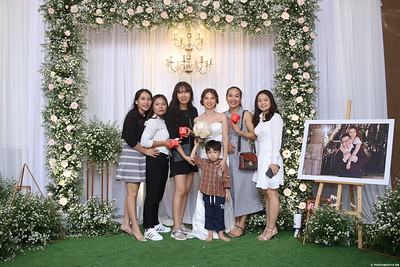 Vy-Cuong-wedding-instant-print-photo-booth-in-Bien-Hoa-Chup-hinh-lay-lien-Tiec-cuoi-tai-Bien-Hoa-WefieBox-Photobooth-Vietnam-130