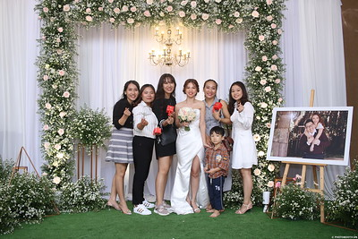 Vy-Cuong-wedding-instant-print-photo-booth-in-Bien-Hoa-Chup-hinh-lay-lien-Tiec-cuoi-tai-Bien-Hoa-WefieBox-Photobooth-Vietnam-131