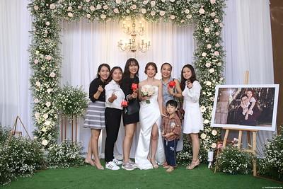 Vy-Cuong-wedding-instant-print-photo-booth-in-Bien-Hoa-Chup-hinh-lay-lien-Tiec-cuoi-tai-Bien-Hoa-WefieBox-Photobooth-Vietnam-131