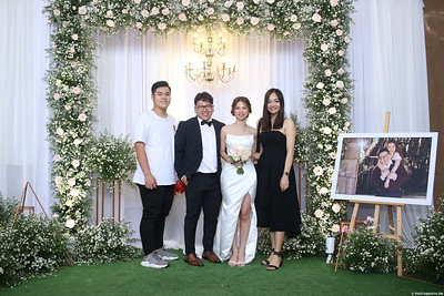 Vy-Cuong-wedding-instant-print-photo-booth-in-Bien-Hoa-Chup-hinh-lay-lien-Tiec-cuoi-tai-Bien-Hoa-WefieBox-Photobooth-Vietnam-112