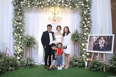 Vy-Cuong-wedding-instant-print-photo-booth-in-Bien-Hoa-Chup-hinh-lay-lien-Tiec-cuoi-tai-Bien-Hoa-WefieBox-Photobooth-Vietnam-114