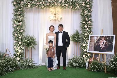 Vy-Cuong-wedding-instant-print-photo-booth-in-Bien-Hoa-Chup-hinh-lay-lien-Tiec-cuoi-tai-Bien-Hoa-WefieBox-Photobooth-Vietnam-138