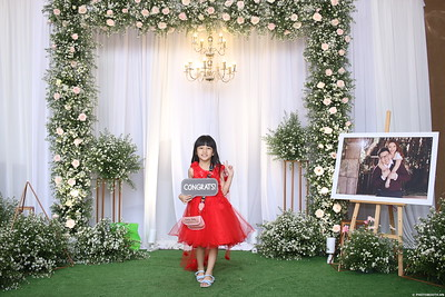 Vy-Cuong-wedding-instant-print-photo-booth-in-Bien-Hoa-Chup-hinh-lay-lien-Tiec-cuoi-tai-Bien-Hoa-WefieBox-Photobooth-Vietnam-147