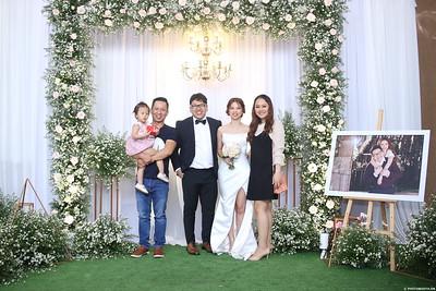 Vy-Cuong-wedding-instant-print-photo-booth-in-Bien-Hoa-Chup-hinh-lay-lien-Tiec-cuoi-tai-Bien-Hoa-WefieBox-Photobooth-Vietnam-107