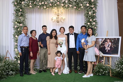Vy-Cuong-wedding-instant-print-photo-booth-in-Bien-Hoa-Chup-hinh-lay-lien-Tiec-cuoi-tai-Bien-Hoa-WefieBox-Photobooth-Vietnam-151