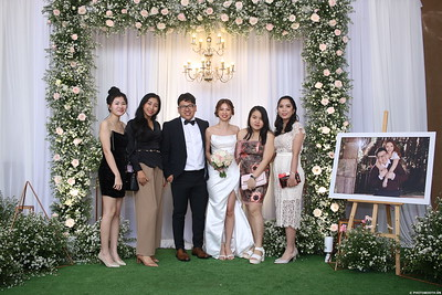 Vy-Cuong-wedding-instant-print-photo-booth-in-Bien-Hoa-Chup-hinh-lay-lien-Tiec-cuoi-tai-Bien-Hoa-WefieBox-Photobooth-Vietnam-126