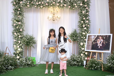 Vy-Cuong-wedding-instant-print-photo-booth-in-Bien-Hoa-Chup-hinh-lay-lien-Tiec-cuoi-tai-Bien-Hoa-WefieBox-Photobooth-Vietnam-146