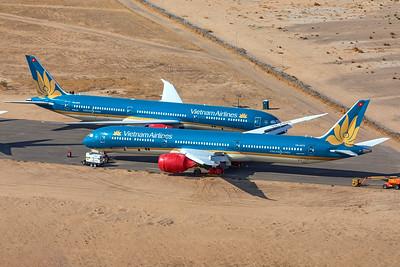 Vietnam Airlines Boeing 787-10 Dreamliner VN-A875 8-13-21