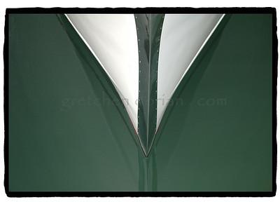 HESSEL (white bow)