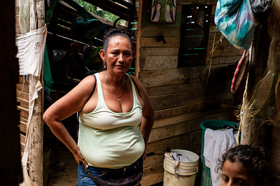 "Mrs. Sonia Pimiento, leader of the invasions, is concerned to organize the Venezuelans settled in the place. In the invasions ""Brisas de Paz y Futuro"" and ""Alfonso Gómez"" live around 300 Venezuelan families who occupy these lands illegally where they build their houses of materials that they get at very low cost."