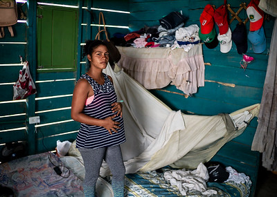 """In the invasions """"Brisas de Paz y Futuro"""" and """"Alfonso Gómez"""" live around 300 Venezuelan families who occupy these lands illegally where they build their houses of materials that they get at very low cost."""