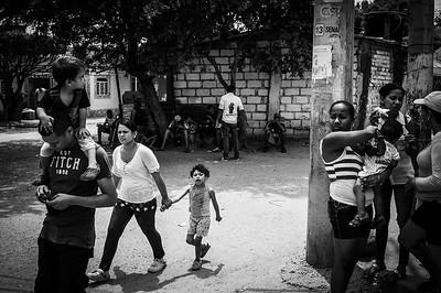 Venezuelans in the streets of Cúcuta, Colombia. Photo: Dany Krom. / Venezolanos en las calles de Cúcuta, Colombia. Foto: Dany Krom.