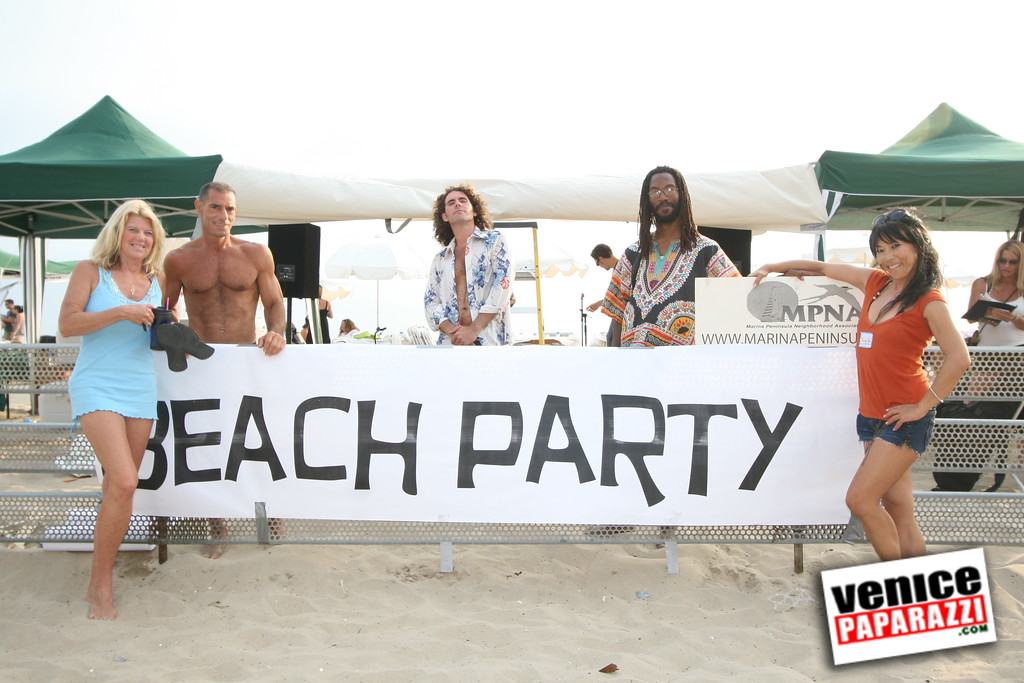 0 The Beach Party   MPNA (1)