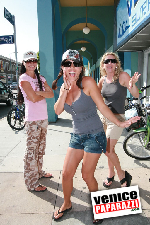 Venician Surf Shop getting ready for opening day  Mercedes of Mercedes Grill and her gal pals