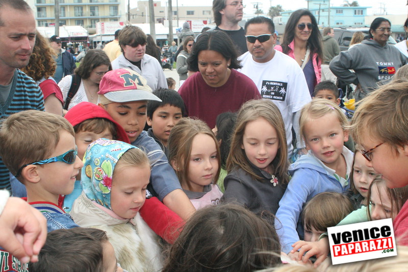 2007 Easter Egg Hunt with Venice Beach Rec and Parks 039
