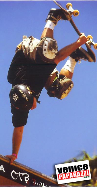 skate upside down 2