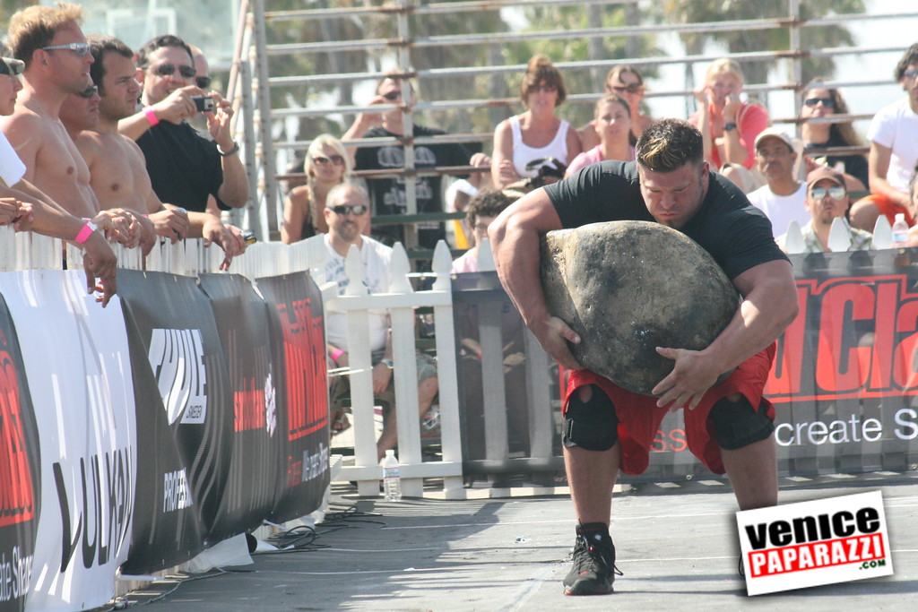 Strong Man Competition in Venice (8)