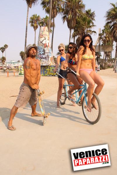 09 01 09  Venice Public Art Walls, Tonan, Venice Skatepark, bike path and beautiful Toronto Women  (34)