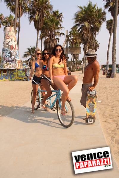 09 01 09  Venice Public Art Walls, Tonan, Venice Skatepark, bike path and beautiful Toronto Women  (35)