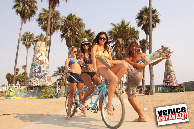 09 01 09  Venice Public Art Walls, Tonan, Venice Skatepark, bike path and beautiful Toronto Women  (41)
