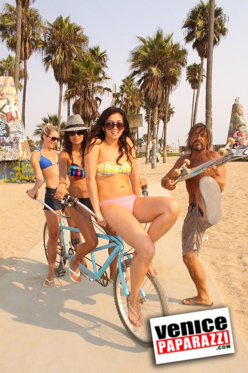 09 01 09  Venice Public Art Walls, Tonan, Venice Skatepark, bike path and beautiful Toronto Women  (42)