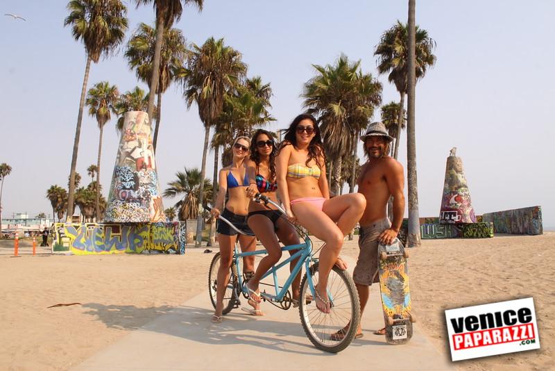 09 01 09  Venice Public Art Walls, Tonan, Venice Skatepark, bike path and beautiful Toronto Women  (38)