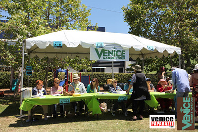 The Venice Garden and Home Tour is an annual event in Venice, California that showcases unusual and delightful homes and gardens that exemplify the creative and original style of their owners, as well as the talents of local designers. Visit http://venicegardentour.org.  Photos by Venice Paparazzi.  Make your next event truly memorable with your own personal paparazzi.  http://www.venicepaparazzi.com/services.php