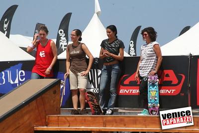 3   Skater Girls (1)
