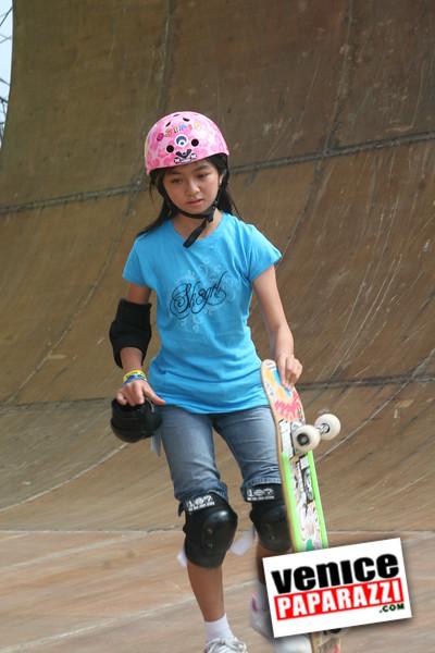 1  Supergirl Skaters (16)