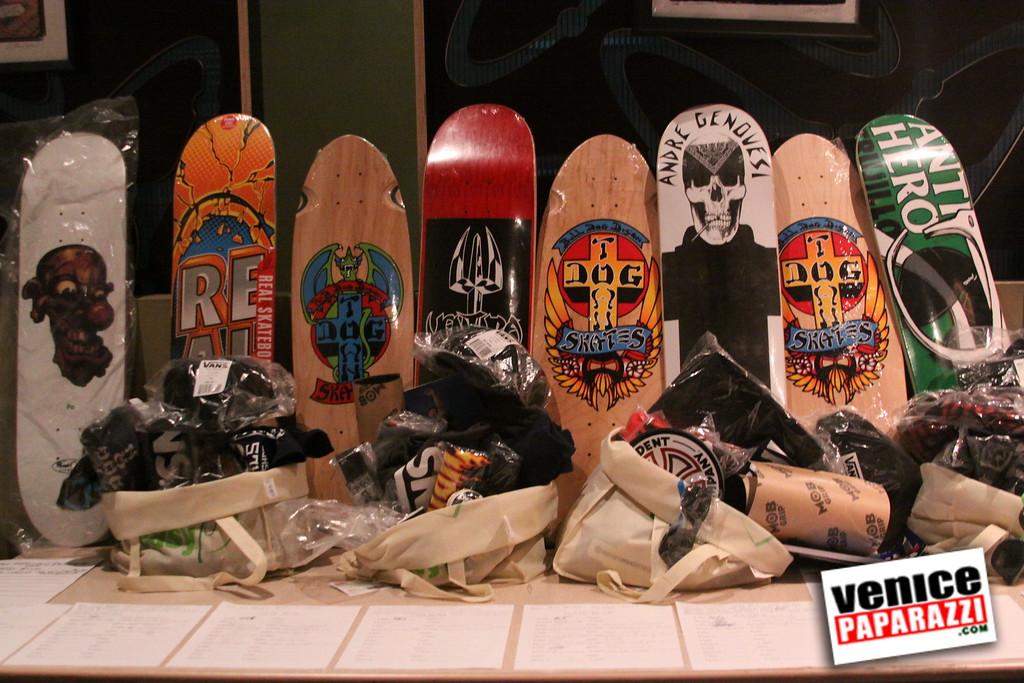 07 20 09  Jim Muir Benefit   Punks for Life   www airconditionedbar com (17)