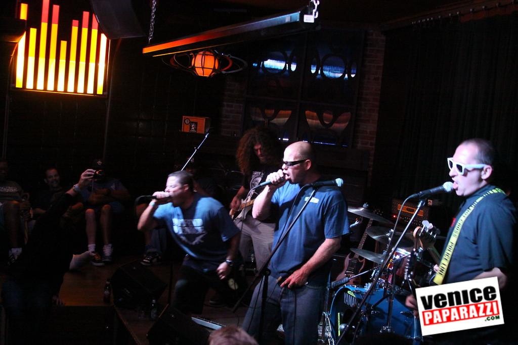 07 20 09  Jim Muir Benefit   Punks for Life   www airconditionedbar com (64)