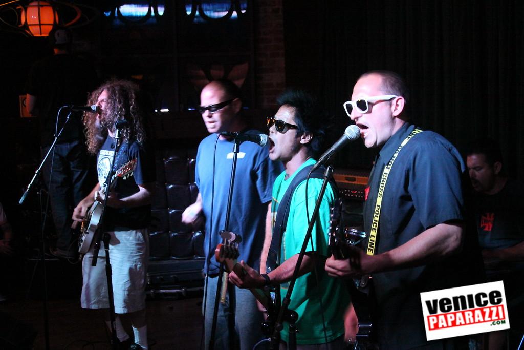 07 20 09  Jim Muir Benefit   Punks for Life   www airconditionedbar com (39)