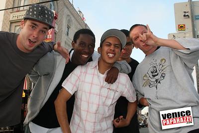 Local Venice Skate Kids pose for the Venice Paparazzi (5)