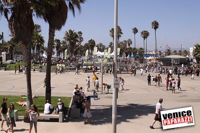 09 06 09  SuperGirl Jam Contest in Venice Beach   Lyn-z Adams Hawkins, Amy Caron, Venessa Torres, Lacey Baker Laurie Currier, Chanelle Sladics, Bryn Valaika and Raewyn Reid (2)