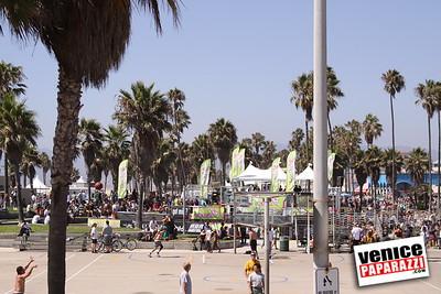 09 06 09  SuperGirl Jam Contest in Venice Beach   Lyn-z Adams Hawkins, Amy Caron, Venessa Torres, Lacey Baker Laurie Currier, Chanelle Sladics, Bryn Valaika and Raewyn Reid (1)