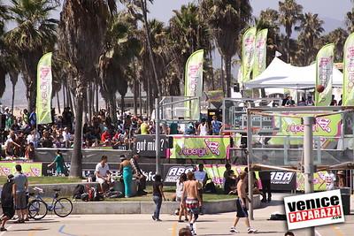 09 06 09  SuperGirl Jam Contest in Venice Beach   Lyn-z Adams Hawkins, Amy Caron, Venessa Torres, Lacey Baker Laurie Currier, Chanelle Sladics, Bryn Valaika and Raewyn Reid