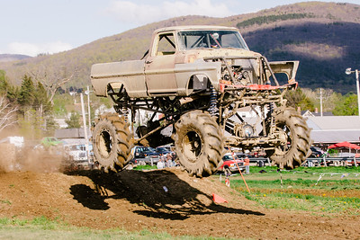 Vermonster-4x4_Spring-Mud-Fling__20170506_7014.CR2 Photo by Brie Morrissey ©Rapid Velocity Photo & BLM Photography   Support your photographers and purchase a photo!! Starting at only $5!   More photos & custom merchandise are available for purchase without watermark or view more photos from this event at www.blmphoto.com or contact info@blmphoto.com.  Do Not Download or reproduce photos without written permission.