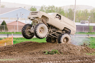 Vermonster-4x4_Spring-Mud-Fling__20170506_6970.CR2 Photo by Brie Morrissey ©Rapid Velocity Photo & BLM Photography   Support your photographers and purchase a photo!! Starting at only $5!   More photos & custom merchandise are available for purchase without watermark or view more photos from this event at www.blmphoto.com or contact info@blmphoto.com.  Do Not Download or reproduce photos without written permission.