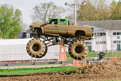 Vermonster-4x4_Spring-Mud-Fling__20170506_7001.CR2 Photo by Brie Morrissey ©Rapid Velocity Photo & BLM Photography   Support your photographers and purchase a photo!! Starting at only $5!   More photos & custom merchandise are available for purchase without watermark or view more photos from this event at www.blmphoto.com or contact info@blmphoto.com.  Do Not Download or reproduce photos without written permission.