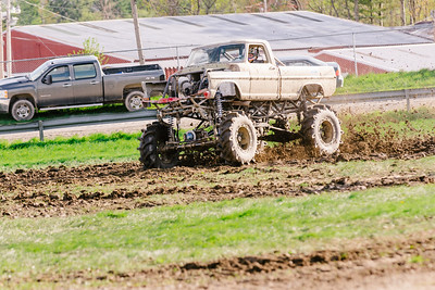 Vermonster-4x4_Spring-Mud-Fling__20170506_7018.CR2 Photo by Brie Morrissey ©Rapid Velocity Photo & BLM Photography   Support your photographers and purchase a photo!! Starting at only $5!   More photos & custom merchandise are available for purchase without watermark or view more photos from this event at www.blmphoto.com or contact info@blmphoto.com.  Do Not Download or reproduce photos without written permission.